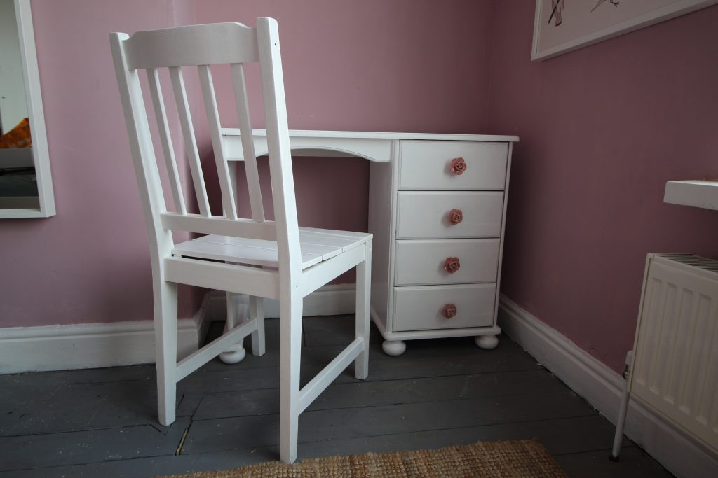 Dressing table and chair after painting