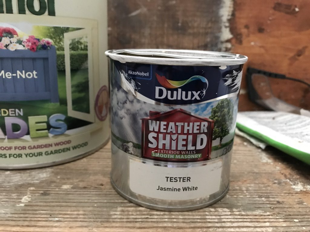 Masonry paint for the front door step