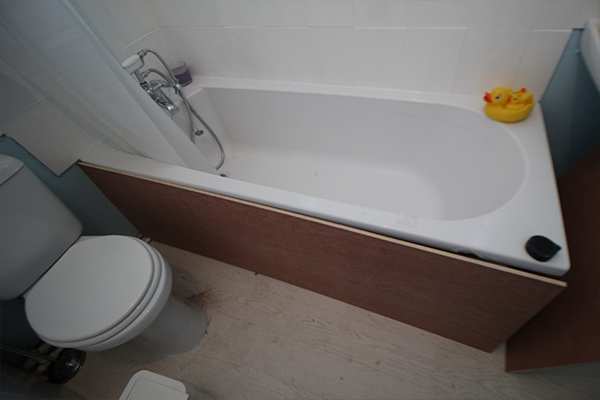 Put the bath roughly in place